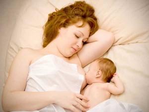 sữa mẹ là thức ăn tốt nhất cho trẻ nhỏ