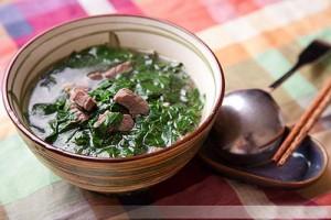 canh rau ngót nấu thịt bò, món canh có rất nhiều tác dụng cho phụ nữ sau sinh