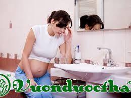 Mang thai vùng kín có mùi hôi